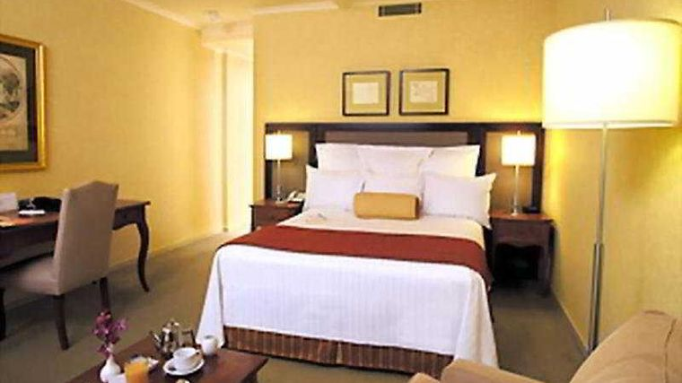 Melbourne Marriott Hotel Room