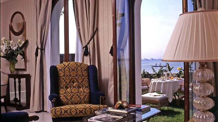 The St. Regis Venice San Clemente Palace Room More Pictures