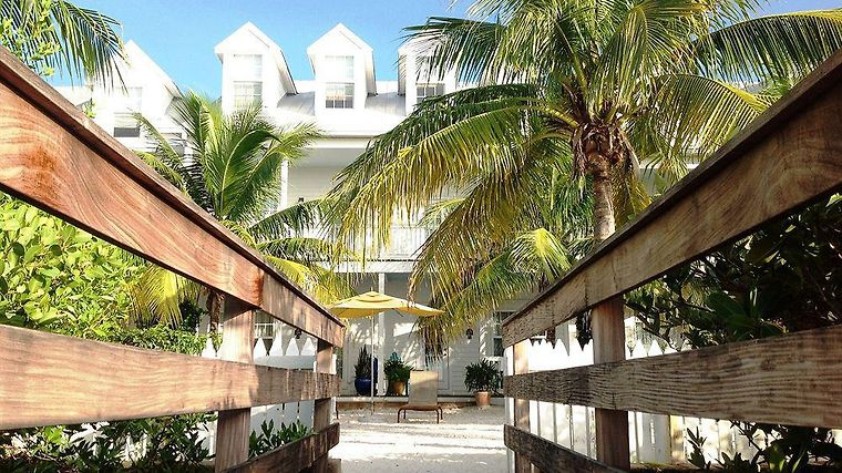 Parrot Key Hotel And Resort Exterior