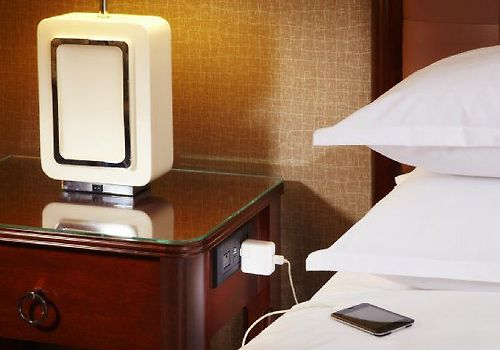 Hyatt On Capitol Square Room Revival Charging Nightstand