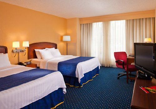 Courtyard By Marriott Dtw Room Queen/Queen Guest Room