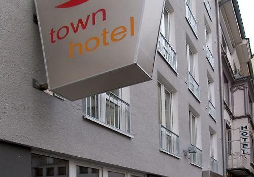 Town Hotel Wiesbaden Exterior